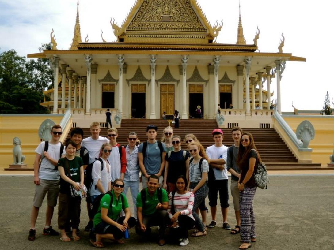 Volunteer in Cambodia as part of a group of high school students
